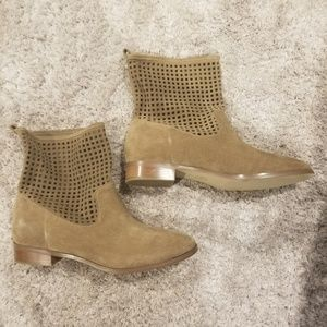 Michael Kors ankle boots! BRAND NEW but w/o tags